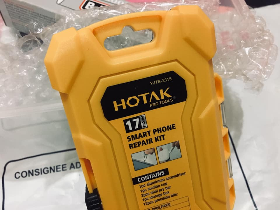 Peralatan khas untuk membaiki telefon.